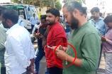 ಮೈಸೂರು: ಪೊಲೀಸರ ಕೈ ಕೋಳ ಮಾದರಿಯ ಬಳೆ ಧರಿಸಿದ ಅಪರಿಚಿತ