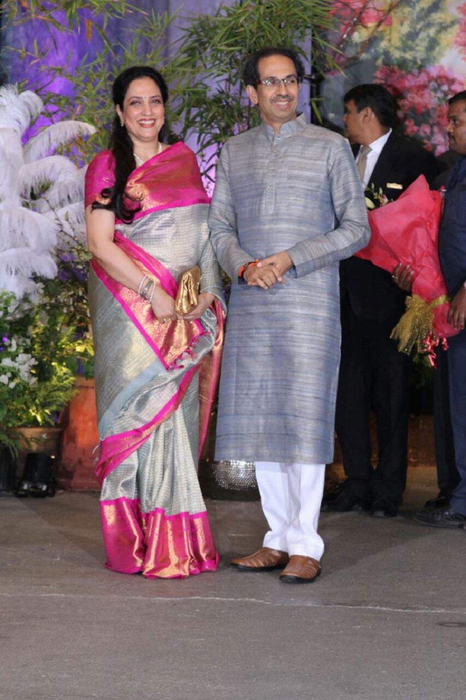 ಉದ್ದವ್ ಠಾಕ್ರೆ ಮತ್ತು ರಶ್ಮಿ ಠಾಕ್ರೆ ಸೋನು-ಆನಂದ್ ಆರತಕ್ಷತೆಯಲ್ಲಿ ಕಾಣಿಸಿಕೊಂಡ ರೀತಿ