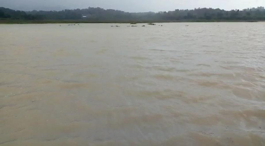 ಶಿವಮೊಗ್ಗ ಜಿಲ್ಲೆಯ ತುಂಗಾ ನದಿ ಉಕ್ಕಿ ಹರಿಯುತ್ತಿರುವುದು