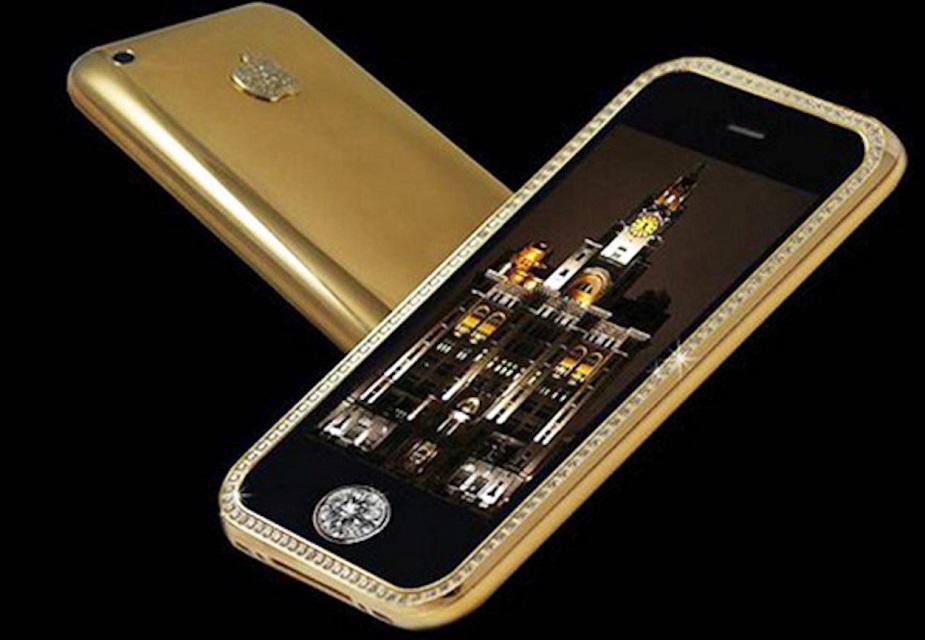 ಗೋಲ್ಡ್ ಸ್ಟಿಕ್ಕರ್ ಐಫೋನ್ 3G : ಆ್ಯಪಲ್ ಕಂಪನಿ ತಯಾರಿಸಿರುವ ಗೋಲ್ಡ್ ಸ್ಟಿಕ್ಕರ್ ಐಫೋನ್ 3G ವಿಶ್ವದ ಅತ್ಯಂತ ದುಬಾರಿ ಫೋನ್ಗಳಲ್ಲಿ ಎರಡನೇ ಸ್ಥಾನ ಪಡೆದುಕೊಂಡಿದೆ. 2009 ರಲ್ಲಿ ಬಿಡುಗಡೆಯಾಗಿದ್ದ ಈ ಮೊಬೈಲ್ನ ಬೆಲೆ 19.5 ಕೋಟಿ ರೂ. 32GB ಮೆಮೊರಿ ಹೊಂದಿರುವ ಈ ಫೋನಿನ ಬಾಡಿಯನ್ನು ಚಿನ್ನದಿಂದ ತಯಾರಿಸಲಾಗಿದೆ. ಹಾಗೆಯೇ ಇದರ ಹೊರ ವಿನ್ಯಾಸದಲ್ಲಿ 136 ವಜ್ರಗಳ ಹರಳುಗಳನ್ನು ಬಳಸಲಾಗಿದೆ.