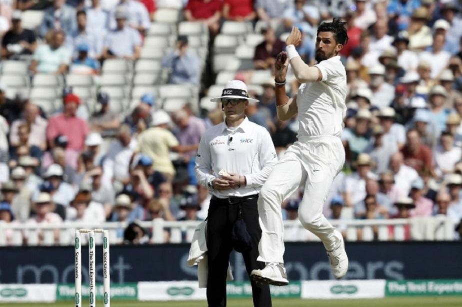 ಭಾರತ ಹಾಗೂ ಇಂಗ್ಲೆಂಡ್ ನಡುವಣ ಮೊದಲ ಟೆಸ್ಟ್ ಪಂದ್ಯದ ಮೊದಲ ದಿನ ಇಶಾಂತ್ ಶರ್ಮಾ ಉತ್ತಮ ಬೌಲಿಂಗ್ ಪ್ರದರ್ಶಿಸಿದರು.