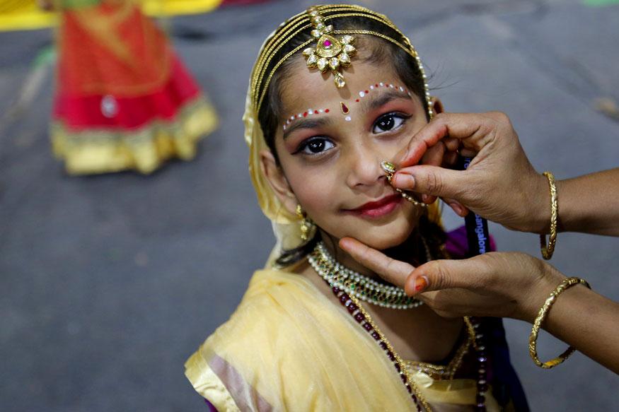 ಶ್ರೀಕೃಷ್ಣನ ಪರಮ ಭಕ್ತೆಯಾದ ಮೀರಾ ಬಾಯಿ ವೇಷಧಾರಿ