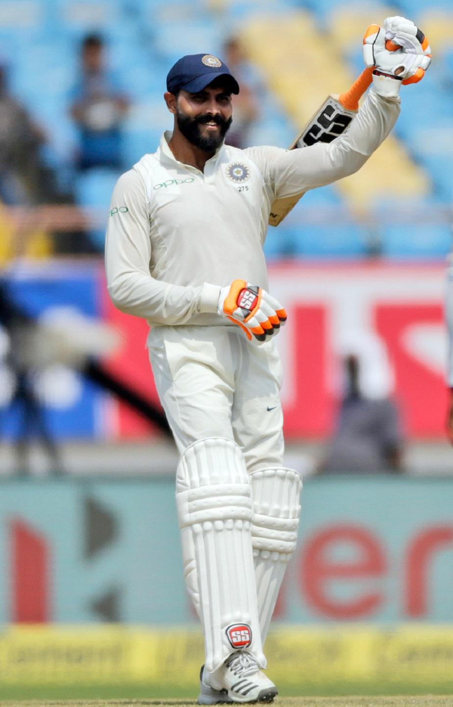 ವೆಸ್ಟ್ ಇಂಡೀಸ್ ವಿರುದ್ಧದ ಟೆಸ್ಟ್ನಲ್ಲಿ ಅರ್ಧಶತಕ ಗಳಿಸಿದಾಗ ಖುಷಿ ಹಂಚಿಕೊಂಡ ಜಡೇಜಾ