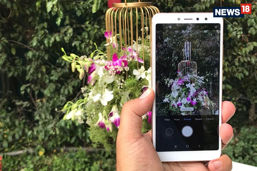 ಡುಯೆಲ್ ಸಿಮ್ ಮತ್ತು ಆಕರ್ಷಕ ಡಿಸ್ಪ್ಲೇ ಹೊಂದಿರುವ ರೆಡ್ ಮಿ ವೈ2 ಮೊಬೈಲ್ನ ಭಾರತದ ಬೆಲೆ 8,999 ರೂ. ಡುಯೆಲ್ ಕ್ಯಾಮರಾದ ಜೊತೆಗೆ 32GB ಇಂಟರ್ನಲ್ ಸ್ಟೋರೇಜ್ ಹೊಂದಿದೆ.