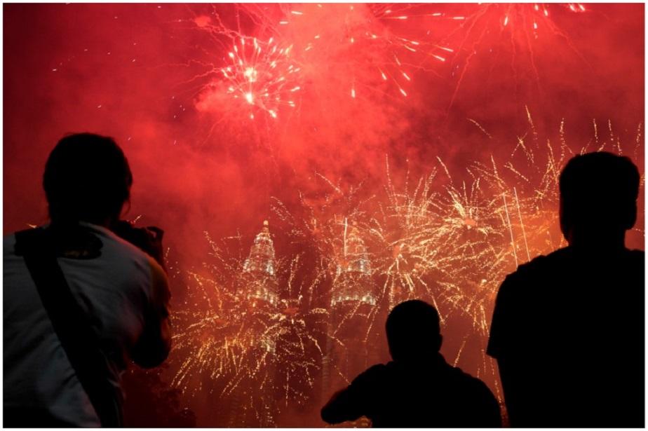 ಮಲೇಷಿಯಾದ ಕೌಲಾಲಂಪುರದಲ್ಲಿ ಹೊಸ ವರ್ಷದ ಸಂಭ್ರಮಾಚರಣೆ