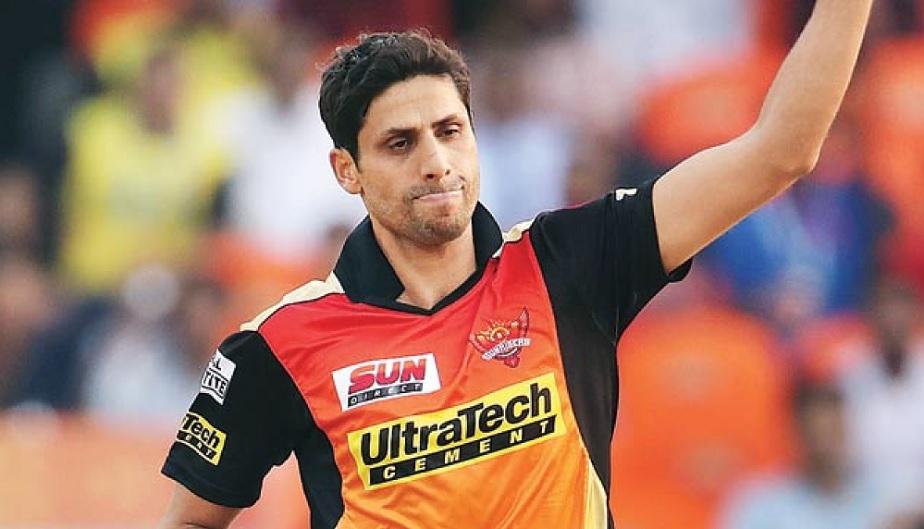 10ನೇ ಸ್ಥಾನದಲ್ಲಿ ಆಶೀಶ್ ನೆಹ್ರಾವಿದ್ದು, ಇವರು ಕೇವಲ 88 ಪಂದ್ಯಗಳಲ್ಲಿ 105 ವಿಕೆಟ್ ಕಿತ್ತು ಟಾಪ್ 10ರ ಲ್ಲಿ ಸ್ಥಾನ ಪಡೆದುಕೊಂಡಿದ್ದಾರೆ