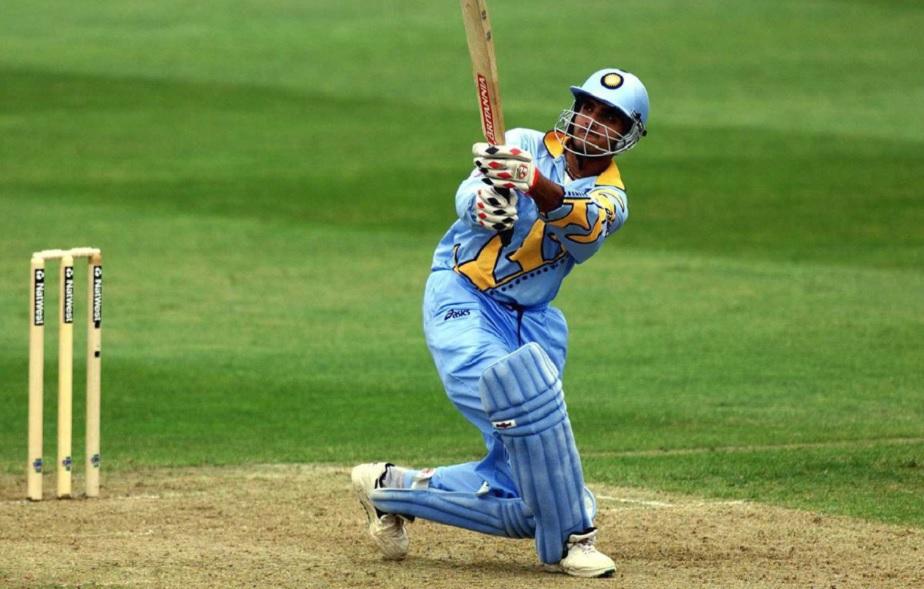 ಸೌರವ್ ಗಂಗೂಲಿ: ಟೀಂ ಇಂಡಿಯಾದ ಮಾಜಿ ಆಟಗಾರ ಗಂಗೂಲಿ 1999, 2003 ಹಾಗೂ 2007 ಮೂರು ವಿಶ್ವಕಪ್ನಲ್ಲಿ ಆಡಿದ್ದಾರೆ. 2003ರ ವಿಶ್ವಕಪ್ನಲ್ಲಿ ಭಾರತ ತಂಡವನ್ನು ನಾಯಕನಾಗಿ ಮುನ್ನಡೆಸಿದ್ದಾರೆ. ಆದರೆ, ಈವರೆಗೆ ಒಮ್ಮೆಯೂ ವಿಶ್ವಕಪ್ ಗೆದ್ದಿಲ್ಲ.