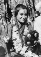 ಮಾಜಿ ಪ್ರಧಾನಿ ಇಂದಿರಾ ಗಾಂಧಿ ಹುಟ್ಟುಹಬ್ಬ : ಕೆಲವು ಅಪರೂಪದ ಚಿತ್ರಗಳು