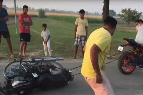 ಹಗ್ಗಜಗ್ಗಾಟ: ರಾಯಲ್ ಎನ್ಫೀಲ್ಡ್ನ್ನು ಉರುಳಿಸಿದ KTM RC390