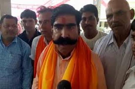 ಗೋ ಮಾಂಸ, ಹಂದಿ ಮಾಂಸ ತಿನ್ನುತ್ತಿದ್ದ ನೆಹರೂ 'ಪಂಡಿತ್' ಅಲ್ಲ: ಅಹುಜಾ