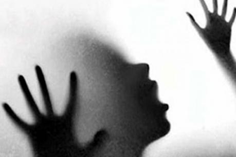 ಅಪ್ರಾಪ್ತ ಬಾಲಕಿಗೆ ಒತ್ತಾಯಪೂರ್ವಕವಾಗಿ ಮದ್ಯ ಕುಡಿಸಿ ಸಾಮೂಹಿಕ ಅತ್ಯಾಚಾರ!