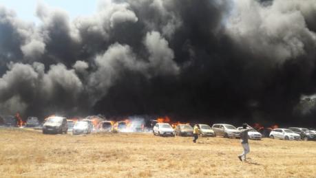 Fire in Air Show: ಏರೋ ಶೋನಲ್ಲಿ ನಿಯಂತ್ರಣಕ್ಕೆ ಬರುತ್ತಿಲ್ಲ ಬೆಂಕಿ; ಸ್ಫೋಟಗೊಳ್ಳುತ್ತಿವೆ ಕಾರುಗಳು!
